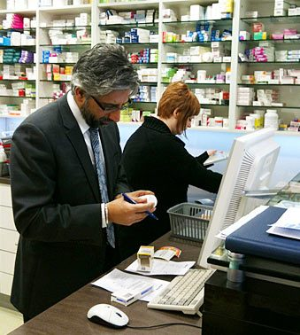 photo of online pharmacy operation